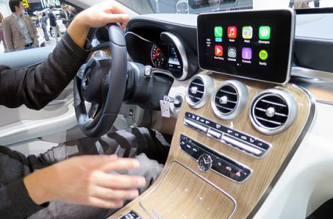 Geneva 2014: Hands On With Apple CarPlay and the 2015