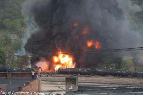Event, Smoke, Pollution, Fire, Flame, Atmospheric phenomenon, Heat, Gas, Explosion, Hazard,