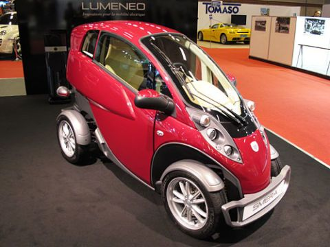 lumenco smera car