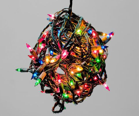How To Hang Christmas Lights Outdoors How To Put Up