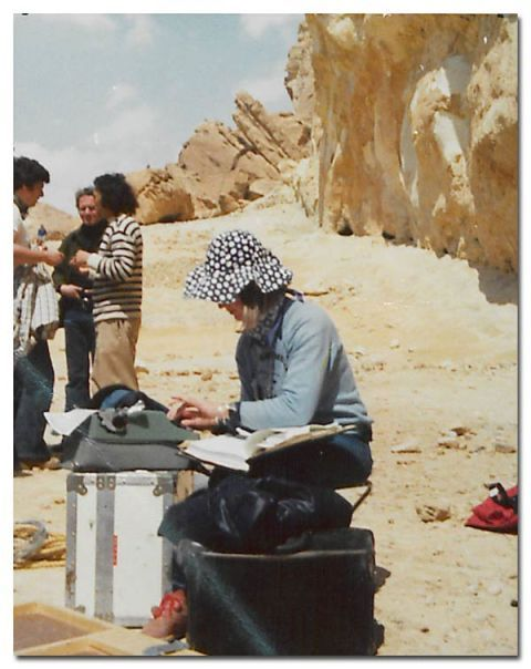Sitting, Travel, Bag, Hawker, Baggage, Sand, Box, Outcrop, Village, Sandal,