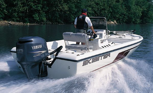Honda And Yamaha Four-Stroke Outboard Bass Boat Motors