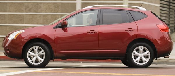 2008 Nissan Rogue Test Drive: Hip, Entry-Level Crossover You