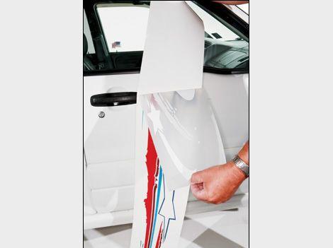 How To Install Vinyl Graphics On Your Car - Custom vinyl decal application fluid recipe