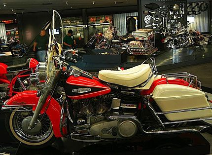 The 1978 Electra Glide Was First Big Harley To Have Electric Starting And Electronic Ignition For Its 80 Cu In Engine Has Become