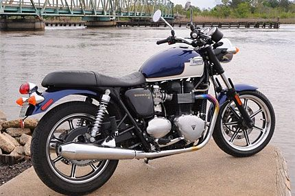 2009 Triumph Bonneville Se Test Ride Old School Icon Gains Modern