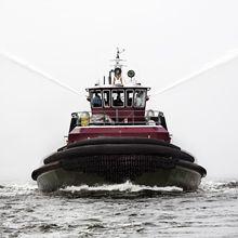 Watercraft, Boat, Water resources, Fluid, Liquid, Atmospheric phenomenon, Watercourse, Naval architecture, Ship, Geological phenomenon,