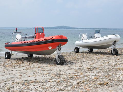 Daytime, Transport, Vehicle, Watercraft, Boat, Boats and boating--Equipment and supplies, Speedboat, Rigid-hulled inflatable boat, Boat trailer, Horizon,