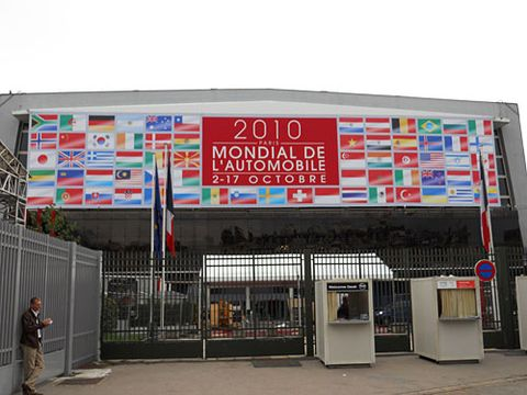 2010 paris auto show sign
