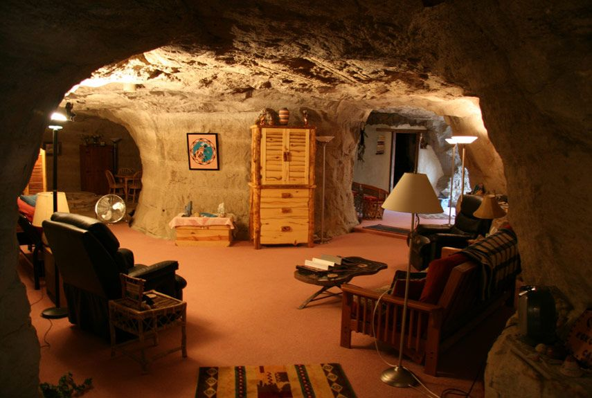 The Worlds Strangest Hotels Strange Architecture And Hotels - Bizarre themed rooms