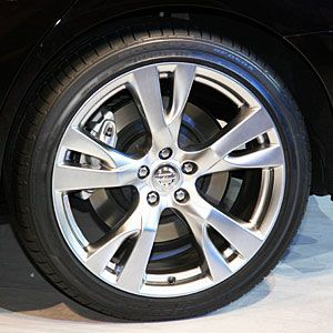 Should You Put LowProfile Tires On Your New Car - Rim websites that show your car