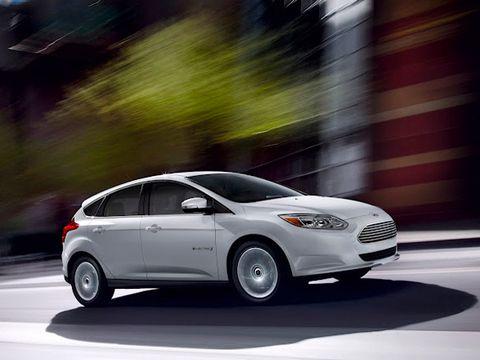 Tire, Wheel, Automotive design, Mode of transport, Vehicle, Transport, Automotive tire, Car, Automotive lighting, Rim,