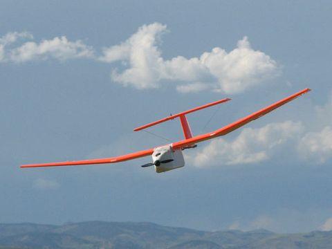 Airplane, Sky, Aircraft, Cloud, Air travel, Light aircraft, Aviation, General aviation, Wing, Propeller-driven aircraft,