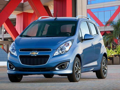 Motor vehicle, Tire, Wheel, Automotive design, Vehicle, Land vehicle, Car, Rim, Automotive mirror, Grille,
