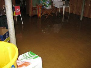 4 rules for electrical safety after a flood rh popularmechanics com flood in basement smell flood in basement what to do