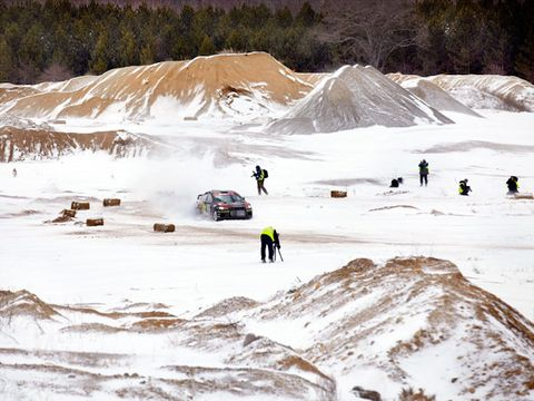 Winter, Slope, Snow, Freezing, Terrain, Geological phenomenon, Ice cap, Glacial landform, Adventure, Off-roading,