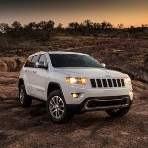 2014 jeep grand cherokee and grand cherokee srt8 test drive. Black Bedroom Furniture Sets. Home Design Ideas