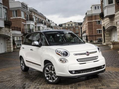Tire, Wheel, Motor vehicle, Automotive design, Window, Vehicle, Land vehicle, Headlamp, Car, Neighbourhood,