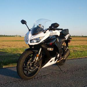 We Hop On The 2013 Kawasaki Ninja 1000