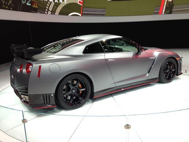 LA Auto Show: 2015 Nissan GT-R Nismo