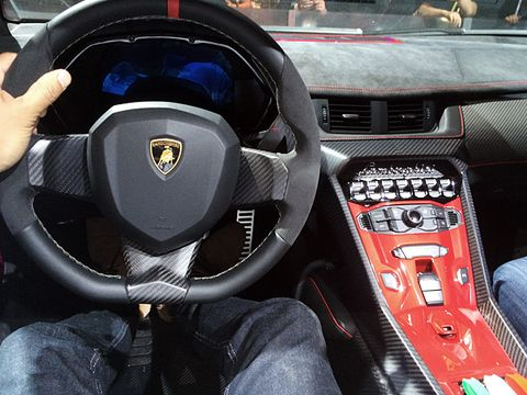 Ces 2014 A Lamborghini Veneno Roadster Fit For A Monster