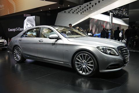 https://hips.hearstapps.com/pop.h-cdn.co/assets/cm/15/05/54cb26c736d41_-_mercedes-benz-s600-01-0114-de.jpg?crop=1xw:1.0xh;center,top&resize=480:*