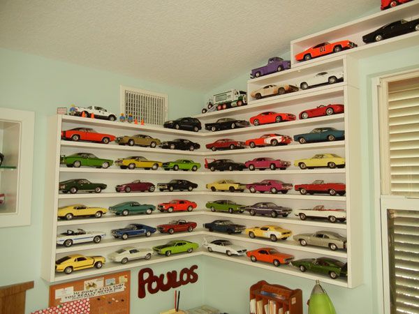 What A Collection Of 1000 Plus Die Cast Cars Looks Like