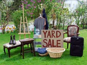 20 Tips for Shopping a Yard Sale