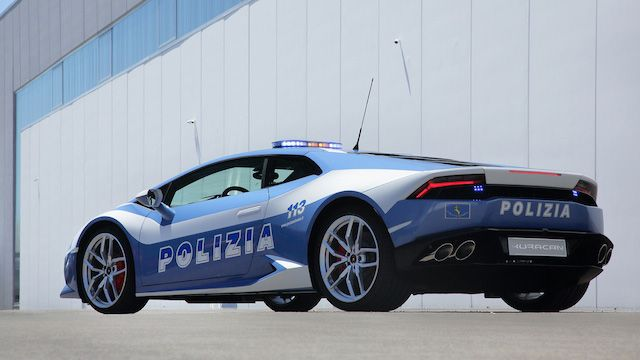 There is No Escape: Italian Cops Get a Lamborghini Huracán