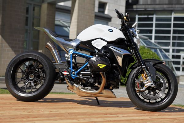 Live From Lake Como: The Wild BMW Concept Roadster Motorcycle That Could Become a Reality