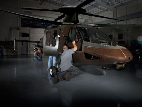 Helicopter, Rotorcraft, Mode of transport, Aircraft, Military helicopter, Helicopter rotor, Aerospace engineering, Aviation, Floor, Military aircraft,