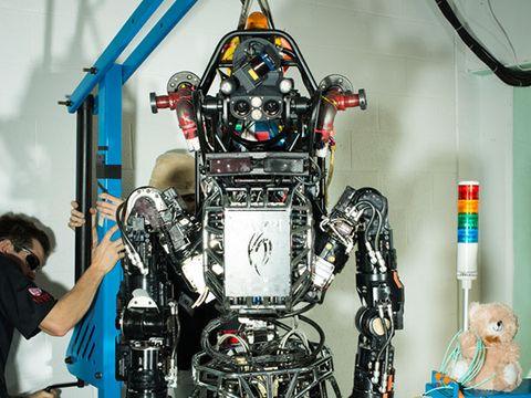 Technology, Machine, Toy, Engineering, Robot, Engine, Mecha, Automotive engine part, Fictional character, Doll,