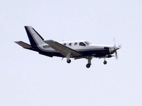 Airplane, Sky, Aircraft, Propeller, Propeller-driven aircraft, Aviation, Glass, Aircraft engine, Propeller, Air travel,