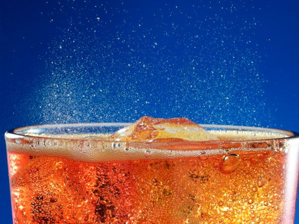 10 Things You Didn't Know You Could Do With a Can of Coke