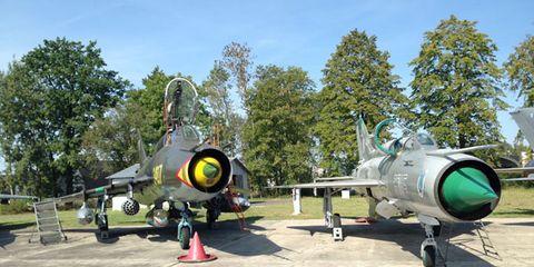 Mig and SU-22