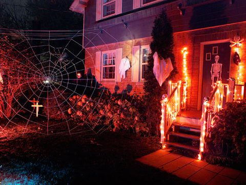 How To Hang Halloween Decorations Diy Halloween Decorations