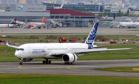 Lookout, Boeing: Airbus A350 Set to Debut