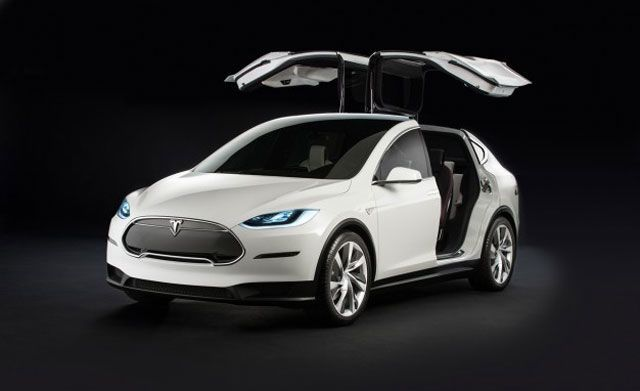 With No Model X in Sight, Tesla Pushes Buyers Toward Model S