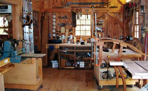 POST-AND-BEAM WOODSHOP