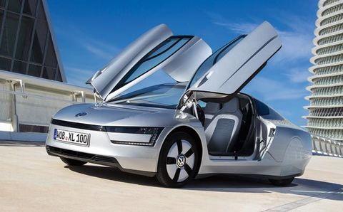 Tire, Mode of transport, Automotive design, Vehicle registration plate, Transport, Automotive mirror, Car, Automotive exterior, Vehicle door, Rim,