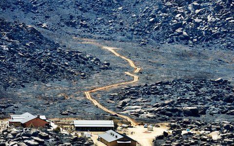 Geological phenomenon, Thoroughfare, Aerial photography, Valley, Mountain pass, Bird's-eye view, Wadi,