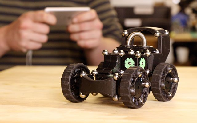 Moss: a Modular Robotics Toy for All Ages