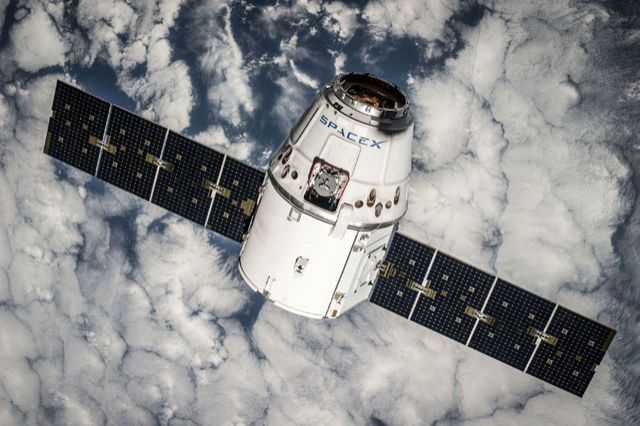 Close, but no cigar: SpaceX rocket misses its barge landing, connects with ISS