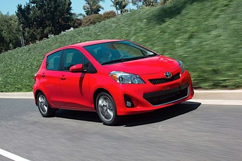 Tire, Motor vehicle, Wheel, Automotive mirror, Mode of transport, Automotive design, Vehicle, Land vehicle, Transport, Car,