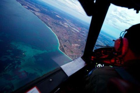 Air travel, Atmosphere, Aviation, Display device, Pilot, Flight, Aerospace engineering, Aircraft, Travel, Cockpit,