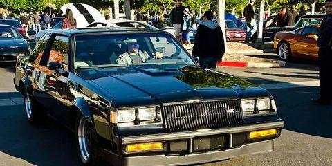 Wheel, Tire, Vehicle, Automotive design, Land vehicle, Car, Automotive exterior, Luxury vehicle, Grille, Vehicle registration plate,