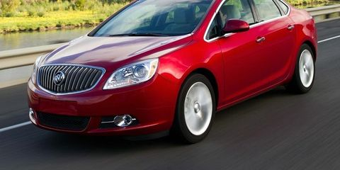 Motor vehicle, Mode of transport, Vehicle, Automotive mirror, Transport, Infrastructure, Car, Grille, Full-size car, Alloy wheel,