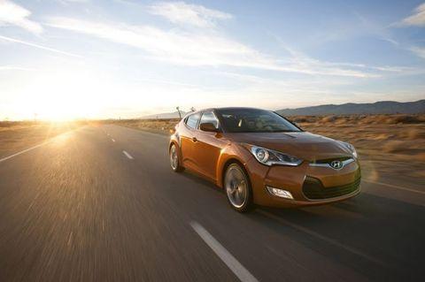 Tire, Wheel, Mode of transport, Automotive design, Road, Vehicle, Automotive lighting, Land vehicle, Car, Infrastructure,
