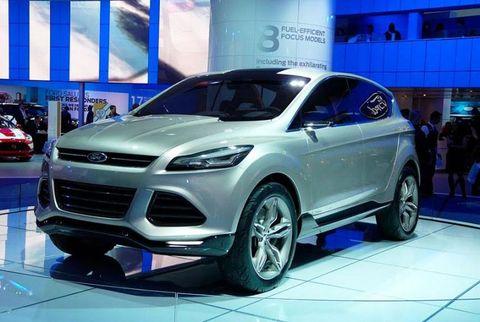 Tire, Motor vehicle, Wheel, Automotive design, Product, Vehicle, Land vehicle, Automotive tire, Car, Grille,