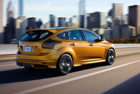 Tire, Wheel, Automotive design, Vehicle, Car, Tower block, Rim, Alloy wheel, Hatchback, Metropolitan area,